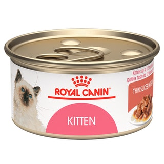 Kitten thin slices in gravy