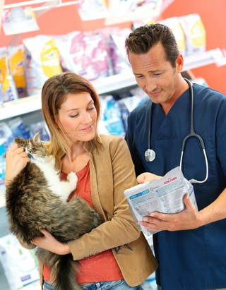 It is important that veterinarians and veterinary staff clearly explain to owners the differences between the therapeutic diet and the foods they may have easier access to, so the pet owner can better perceive the value of therapeutic diets.